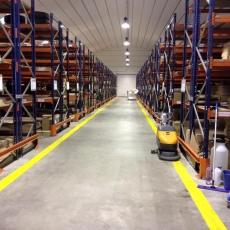 strojové-čistenie-výrobné-haly